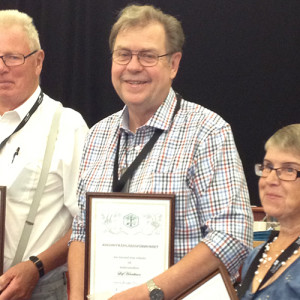 En glad Leif med sitt välförtjänta diplom.